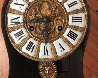 Usital Clock