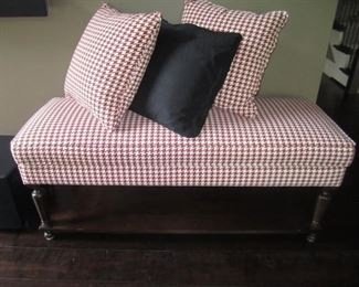 BENCH AND PILLOWS