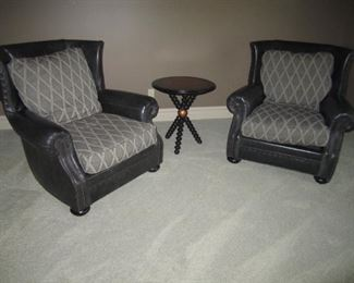 PAIR OF CHAIRS WITH MATCHING OTTOMANS BY VANGUARD