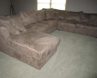 VERY NICE SECTIONAL WITH RIGHT SIDE SLEEPER