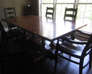 TABLE AS IS  6 GREAT POTTERY BARN CHAIRS