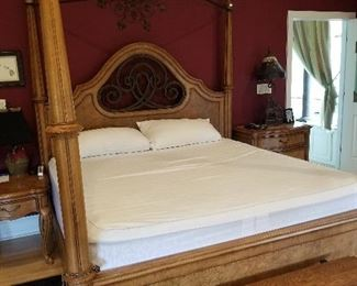 King Size Canopy Bedroom Suite