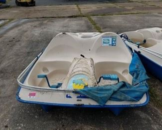 5 Seat Sun Dolphin Paddle Boat