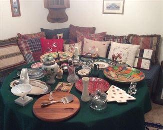 Decorative pillows, various serving pieces