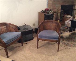 Chairs, humidifier