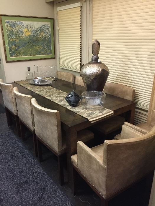 Incredible dining table, 2 leaves and 8 chairs