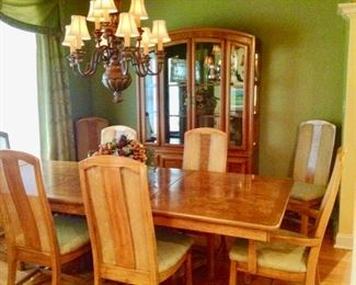Beautiful Dining Table with 2 Leaves, 8 Chairs, and Table Pads, and Matching China Cabinet