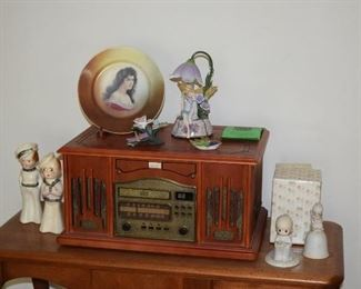 Vintage Radio, Collectible Figurines