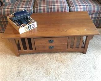 MISSION OAK STYLE COFFEE TABLE