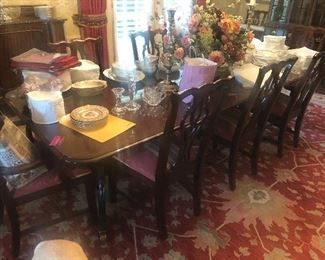 Antique Queen Anne style solid mahogany dining table with 8 chairs