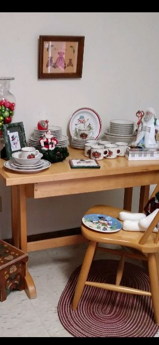 Strawberry Street Christmas Dish Set