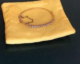 antique 18 kt. diamond bracelet 18 grams.
