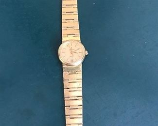 18 kt gold watch.52.3 grams