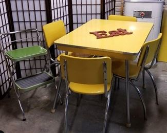 Screen divider, Yellow Table and Chairs, Green Kitchen stool