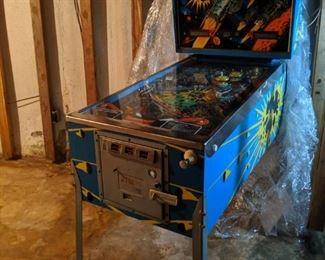 Flight 2000 pinball machine