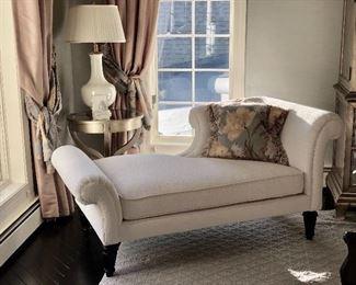 Bernhardt Chaise