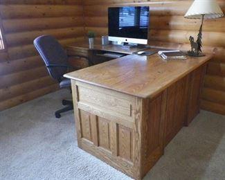 Woodley's Executive Desk
