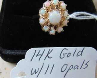 14K Gold w/11 Opals Ring