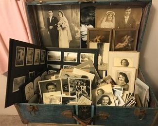 Lookit all these antique and vintage photographs!! So gorgeous!