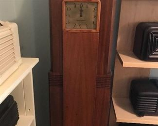 """Rare Westinghouse early 1930's Art Deco""""Columnaire"""" Tall Clock and Radio"""