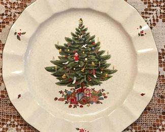 "8 vintage ""Happy Holidays"" plates by Mikasa."