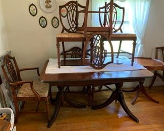 #48Table Double Pedistal Duncan Phyffe w/6 chairs  58-70x38x30 $225.00