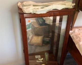 #434 Glass Shelf Display Cabinet w/Light puck  19x8x33 $75.00