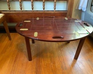 #54Butlers Tray Coffee Table w/lift off top  35x25x17 $175.00