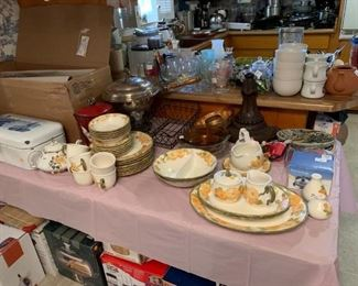 #85chinaMetlox poppy trail 8 plates, 5 cereal bowls, 6 cup saucer  $120.00  set shown along with serving pieces that are seperate #84w china8 plate 8 cereal bowl 8 fruit bowl 8 saucer 6 cups 8 salad  Metlox poppy trail $200.00