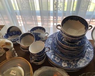#86woodland Wedgewood china8 bowls, 7 plates, 3salad, 6 salad, 6 cup saucer $100.00