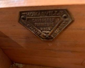 #14Thomasville desk w 5 drawers on queen Anne legs 44x19x30 $125.00
