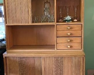 Fantastic Mid Century Modern hutch w/top and bottom sliding doors