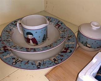 Plate, bowl, cream and sugar