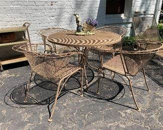 5pc Wrought Iron patio set w/matching lounge chair