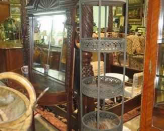 ROUND WROUGHT IRON 5 LEVEL CANE LINED DISPLAY
