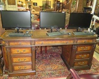 1 OF 12 EXECUTIVE WOOD DESKS EITHER BY HOOKER OR AMBELLA