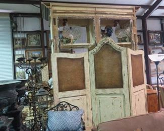 DISTRESSED ROOM DIVIDER WITH CANE PANELS