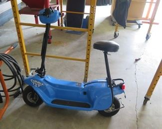 BLUE CHARLY SCOOTER