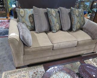 Simmons Beautyrest sofa with 7 cushions