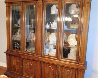 Outstanding China Cabinet