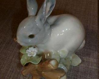 lLADRO rabbit