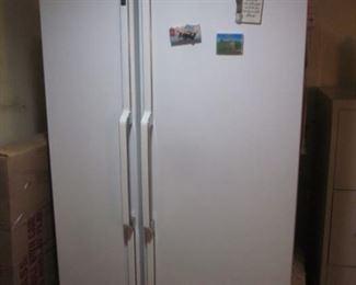 GE S/S Refrigerator White