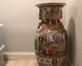 Asian urn porcelain