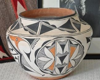 Acoma pot - possibly SOLD at preview