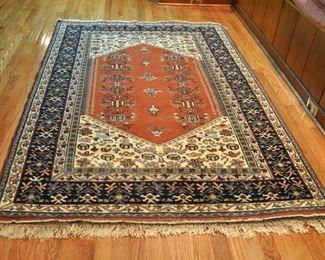 "Great Turkish carpet with some wear signs (very popular today to have rugs with wear) 4' 4"" by 6' 6"""