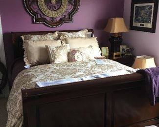 Queen sleigh bed- excellent