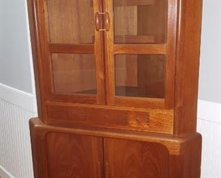 Teak Wood furniture corner cabinet from House of Denmark.  Immaculate! Has a matching Credenza.