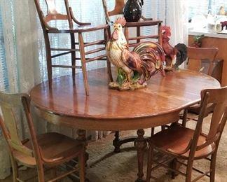 Beautiful vintage oak dining room set