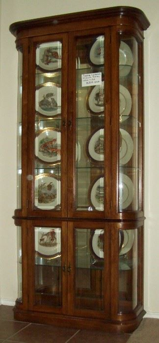 Set of Boehm Woodland Wildlife plates and large display case.