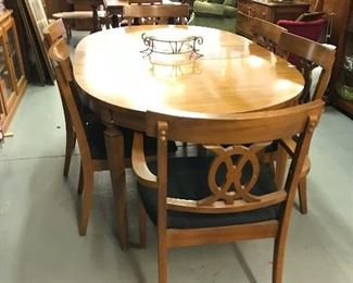 Mid Century table, 6 chairs, 1 leaf  Beautiful condition.